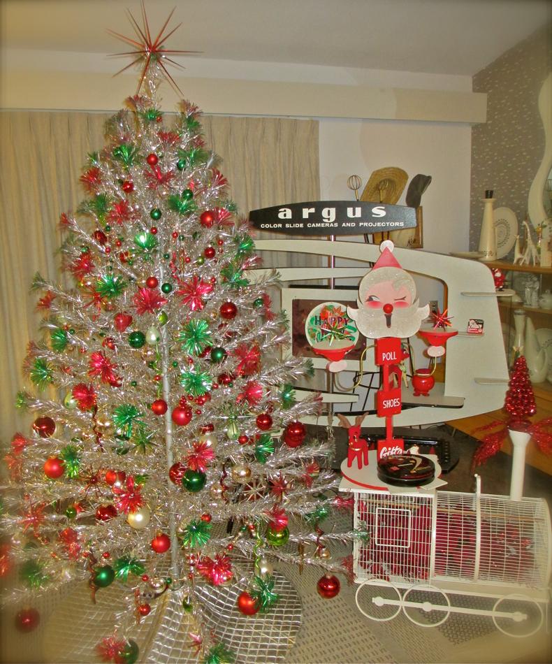 photos of vintage aluminum christmas tree - Vintage Aluminum Christmas Tree
