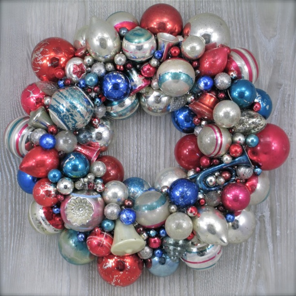 Antique Patriotic Wreath Old